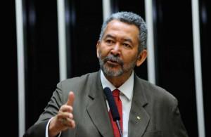 Paulão é deputado federal pelo PT-AL